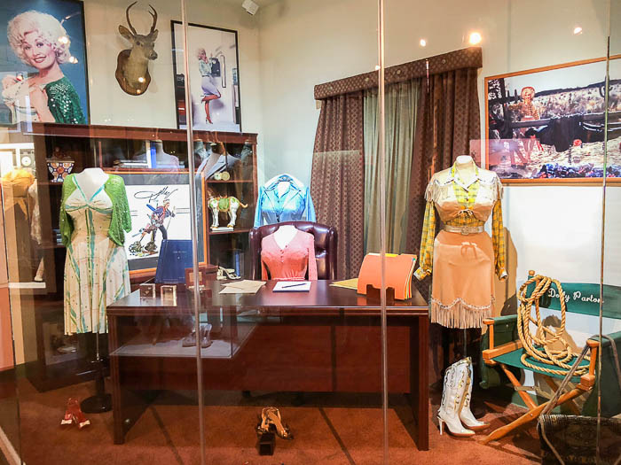 Dolly Parton Museum Chasing Rainbows at Dollywood