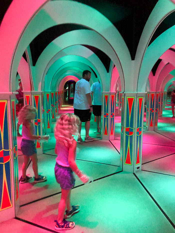 Pigeon Forge Attractions - Mirror Maze at Magiquest