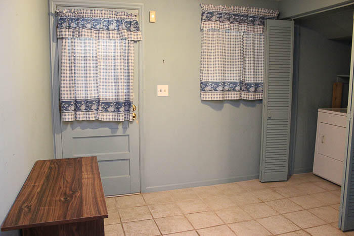 Laundry Room / Mudroom Before