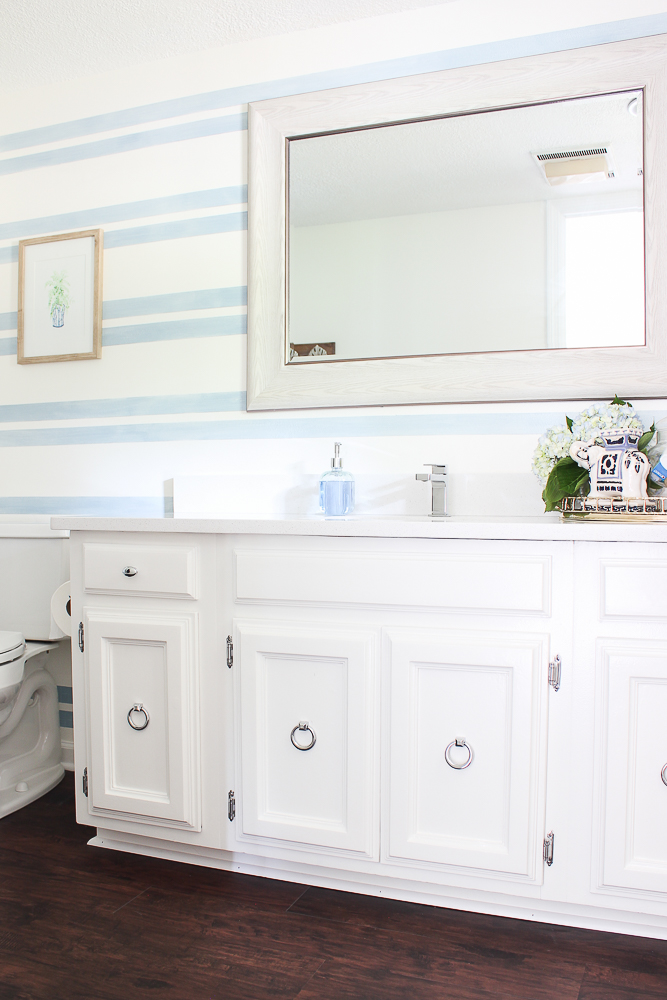 Blue and White Bathroom Decorating Ideas