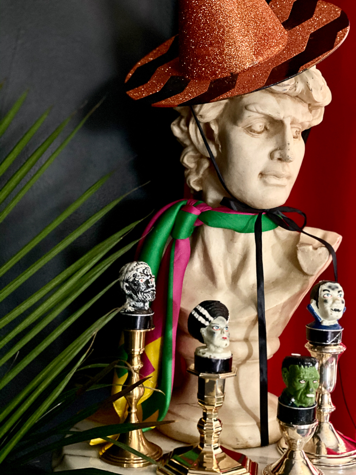 Halloween Decorating Ideas for Busts