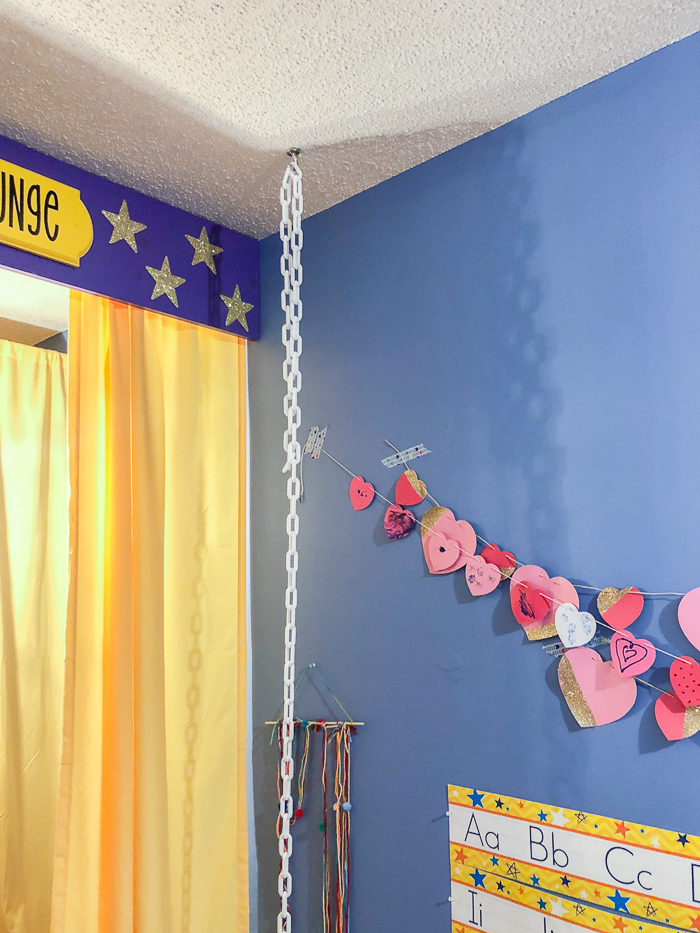 how to store stuffed animals - hanging chain from the ceiling